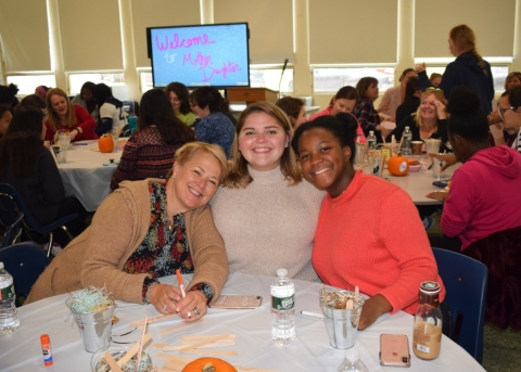 Fontbonne Students Gather With Their Mother Figures For Annual Event